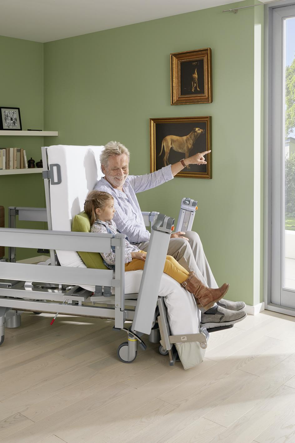 Sitting position of the Vertica care mobilisation bed