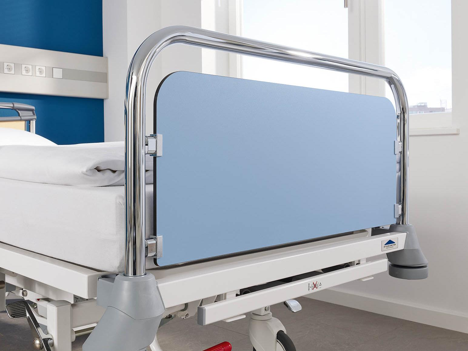 Classic head and footboard of the Deka hospital bed