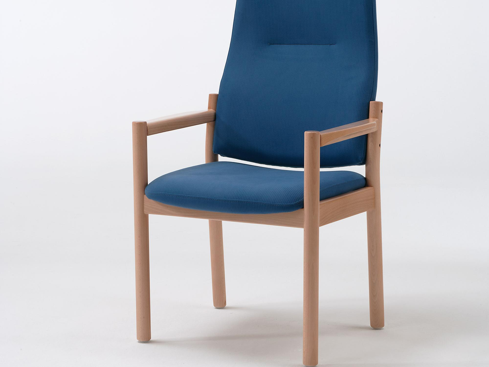 The Primo model as a high-back chair