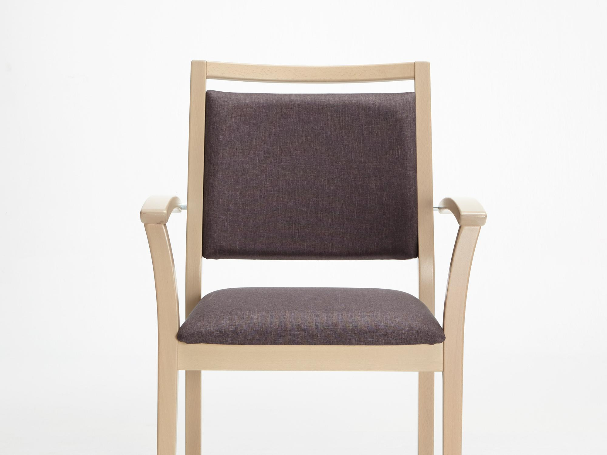 The Mavo model as a stackable chair with armrests