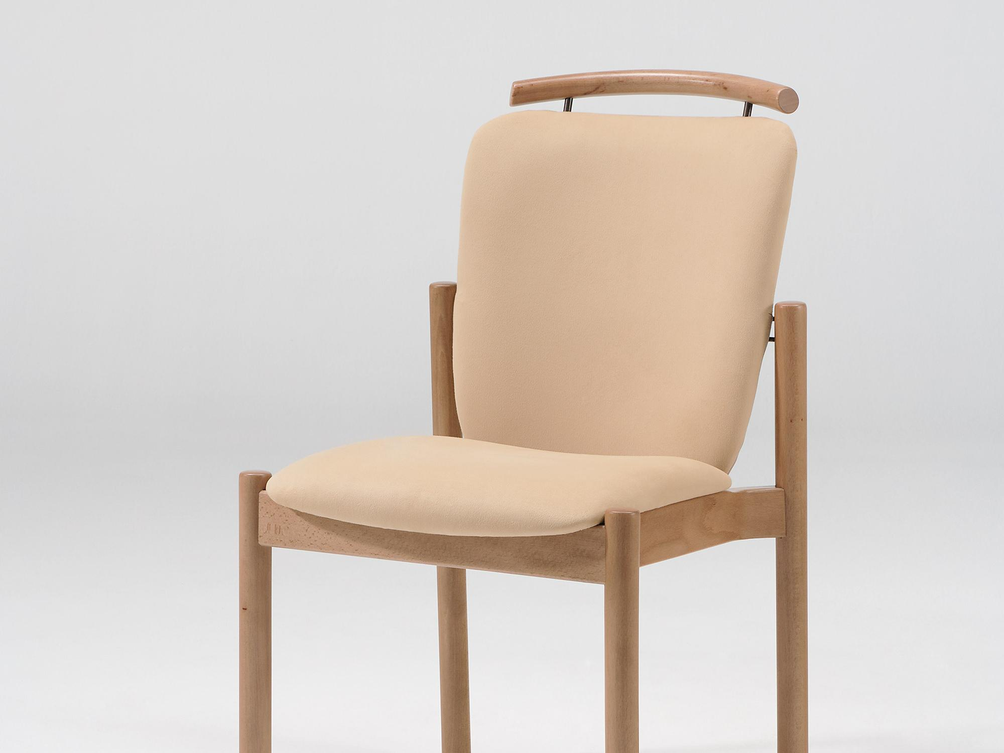 The Optimo as a stacking chair with handle