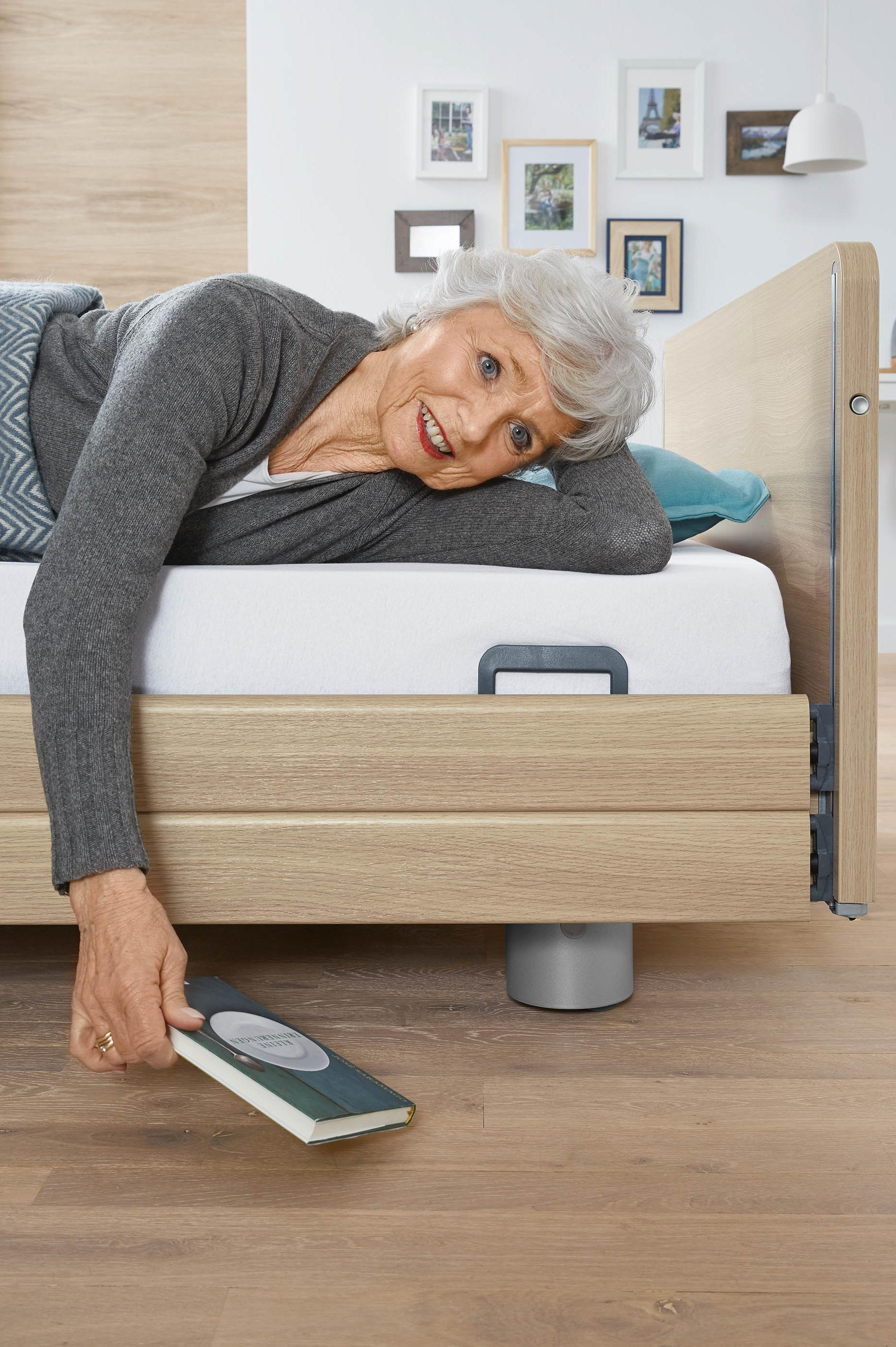 Fall prevention with the Elvido vervo low-height bed