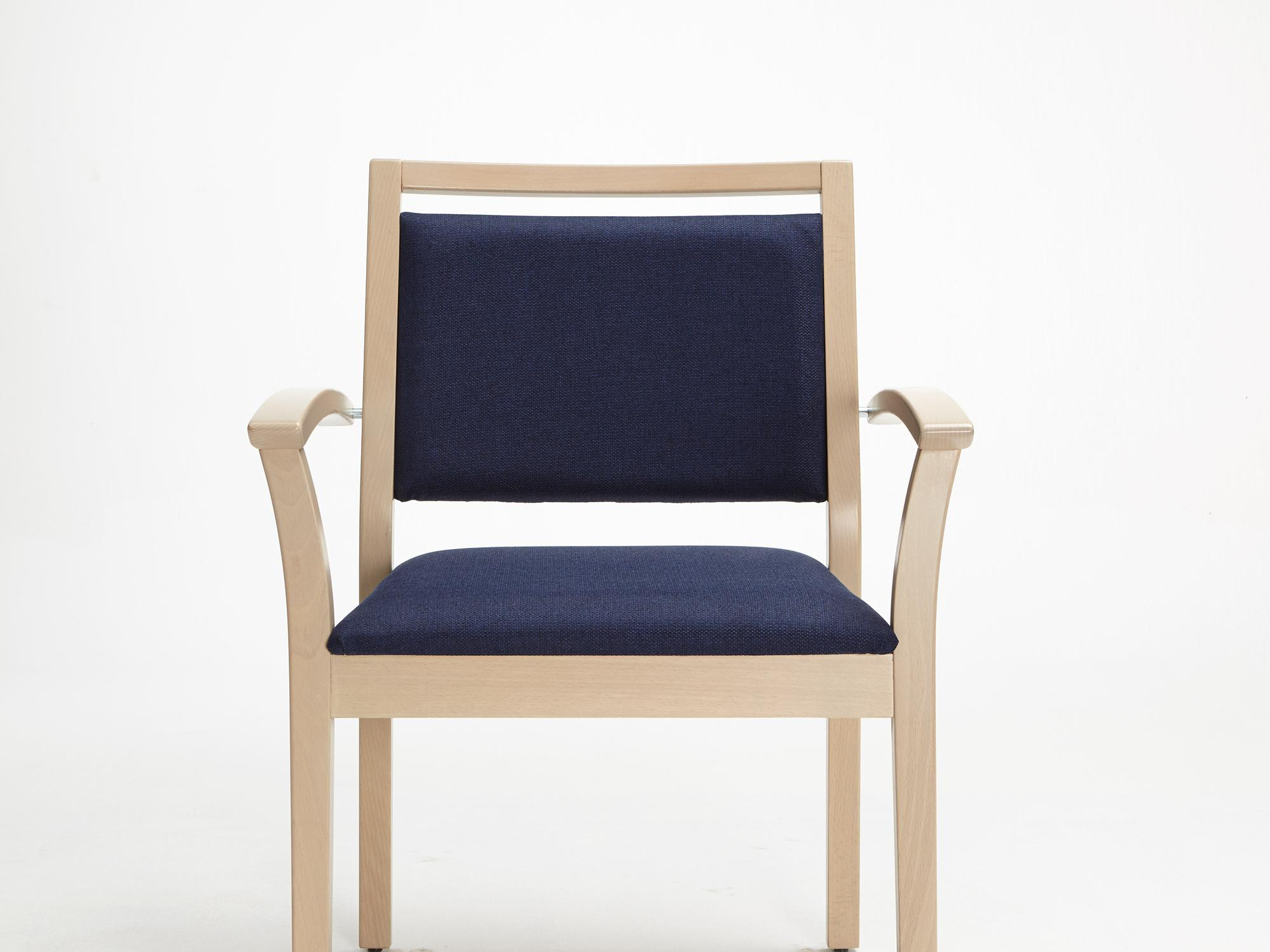 The Mavo model as a heavy-duty chair