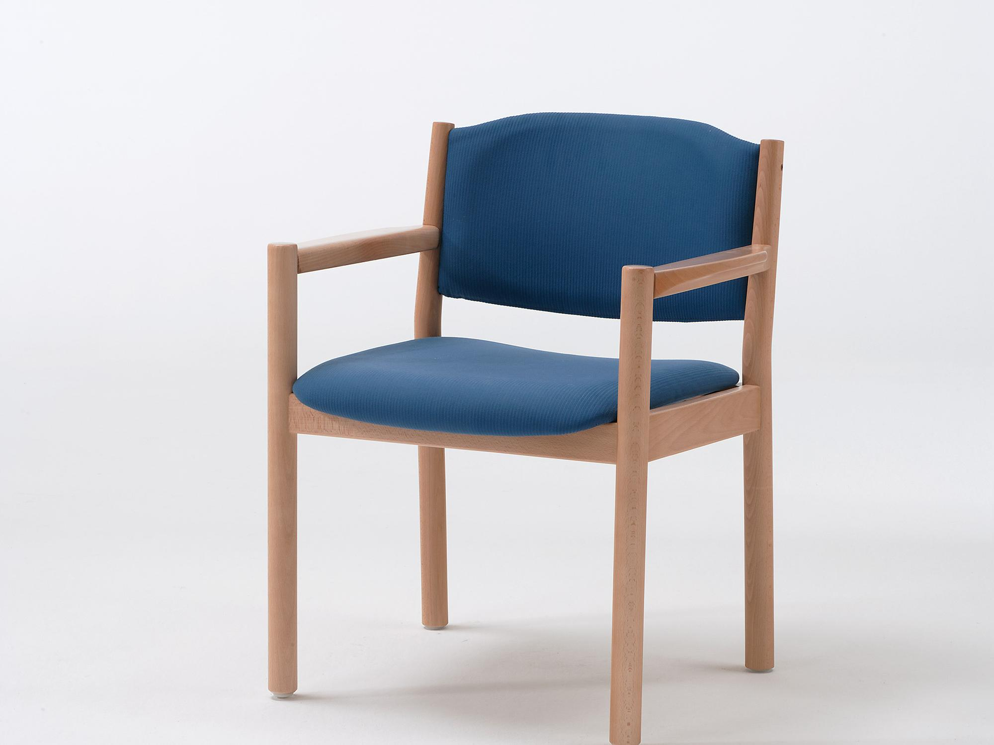 The Primo model as an armchair