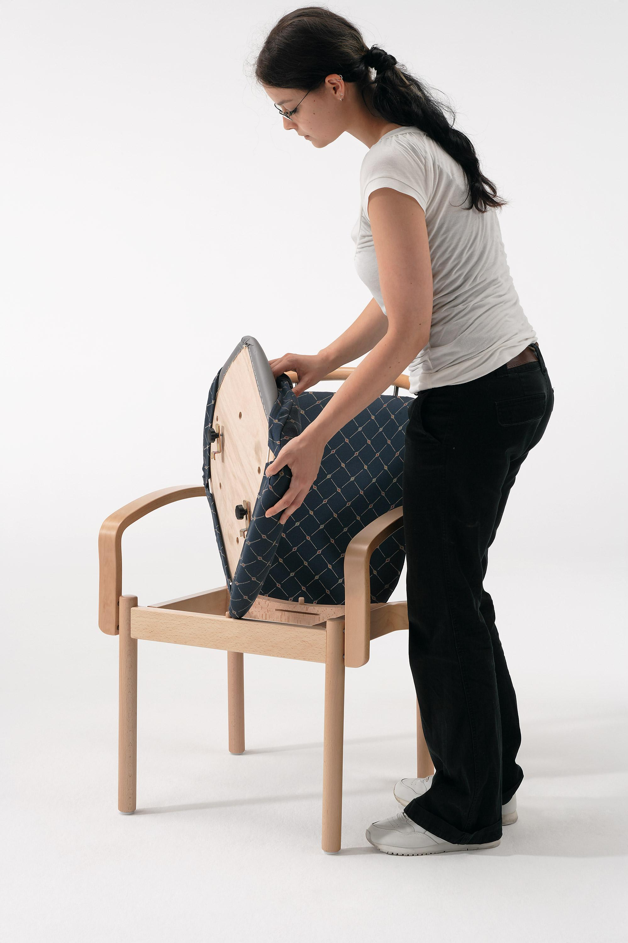 The Optimo chair with removable seat
