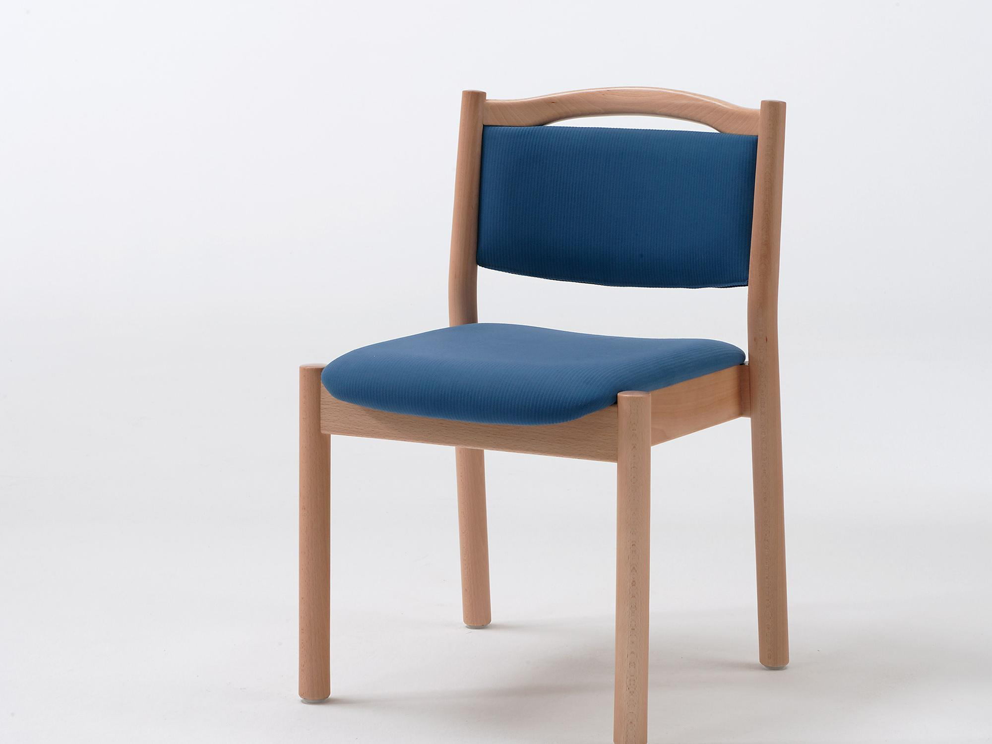 The Primo as a stacking chair with handle