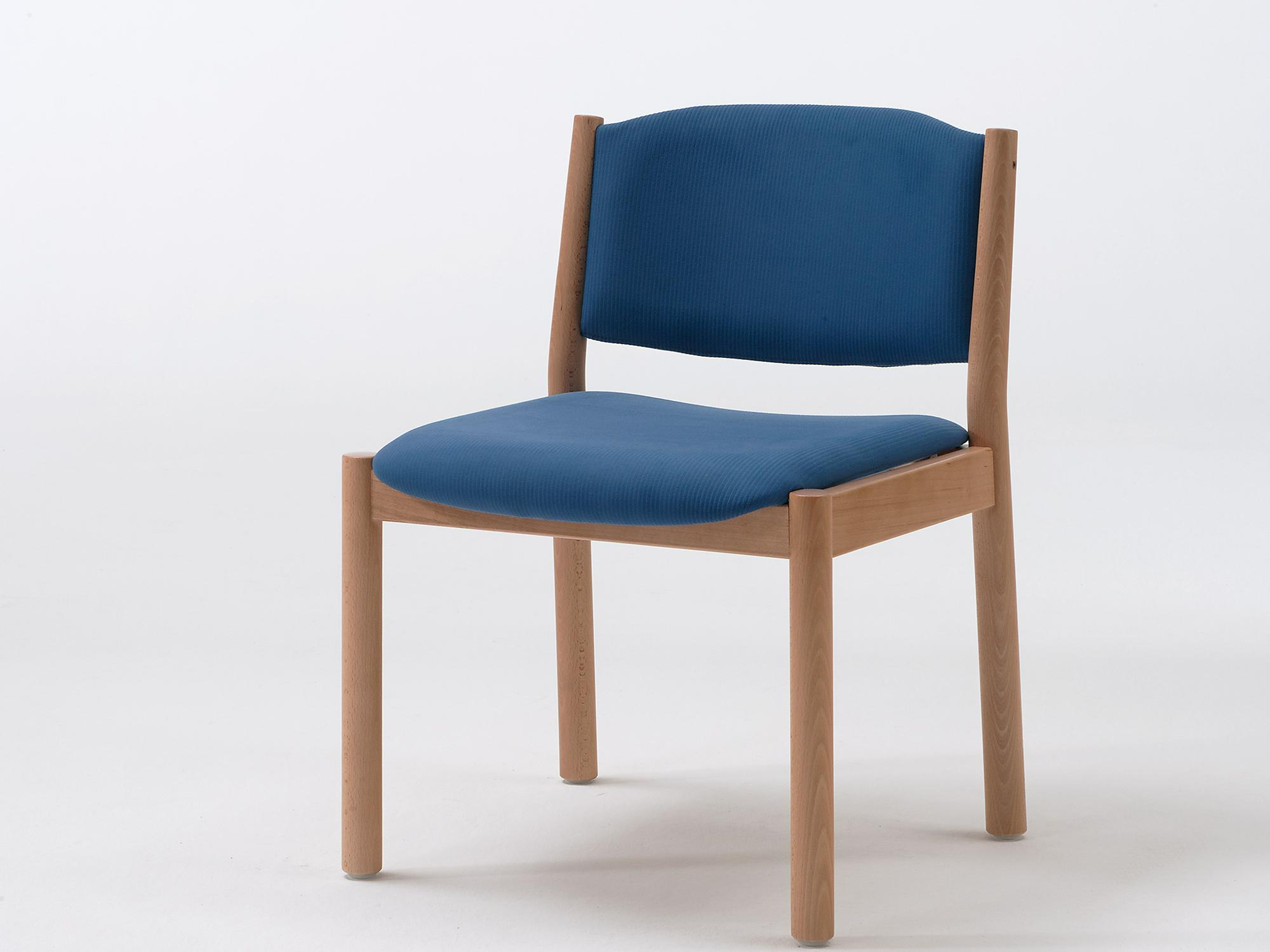 The upholstered Primo chair