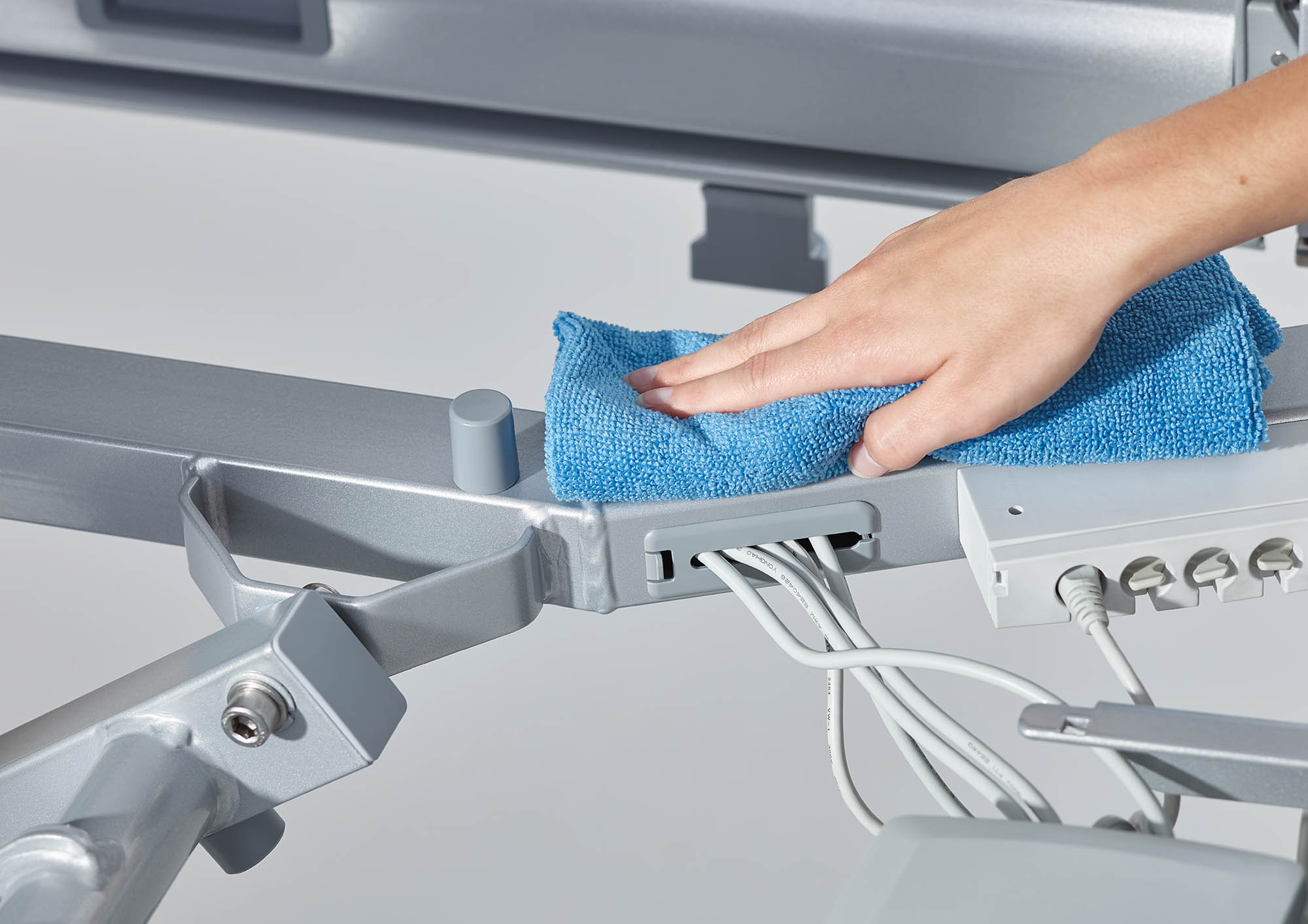 Easy to clean thanks to concealed cable routing on the Puro hospital bed