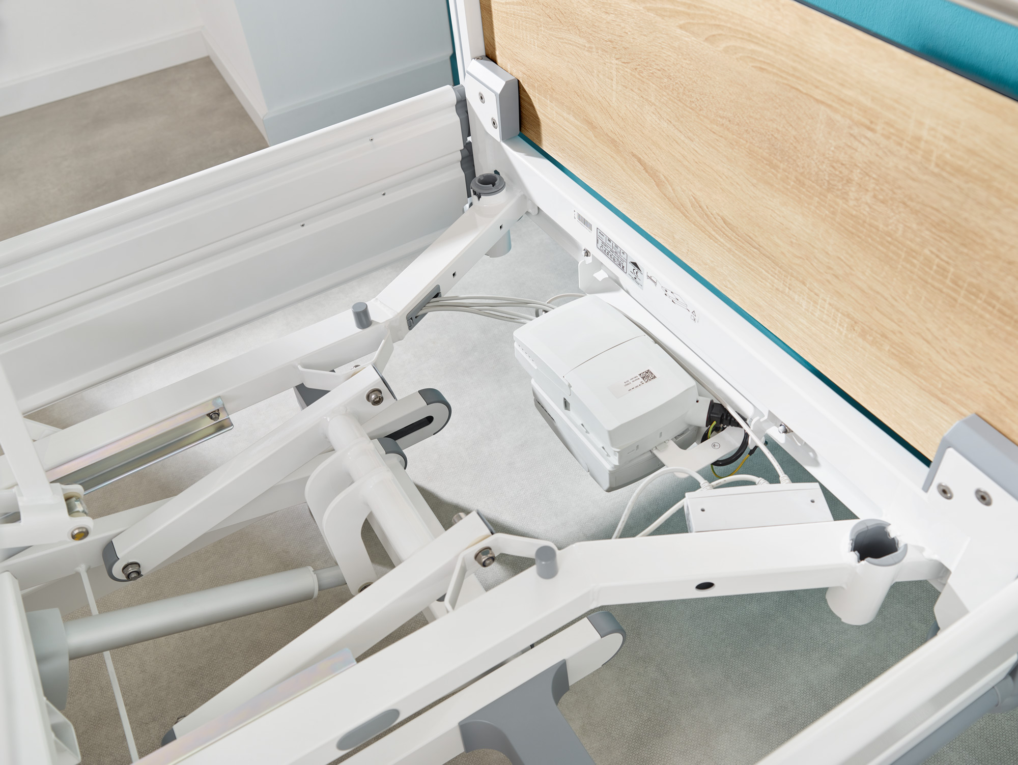 Concealed cable routing on the Seta pro hospital bed