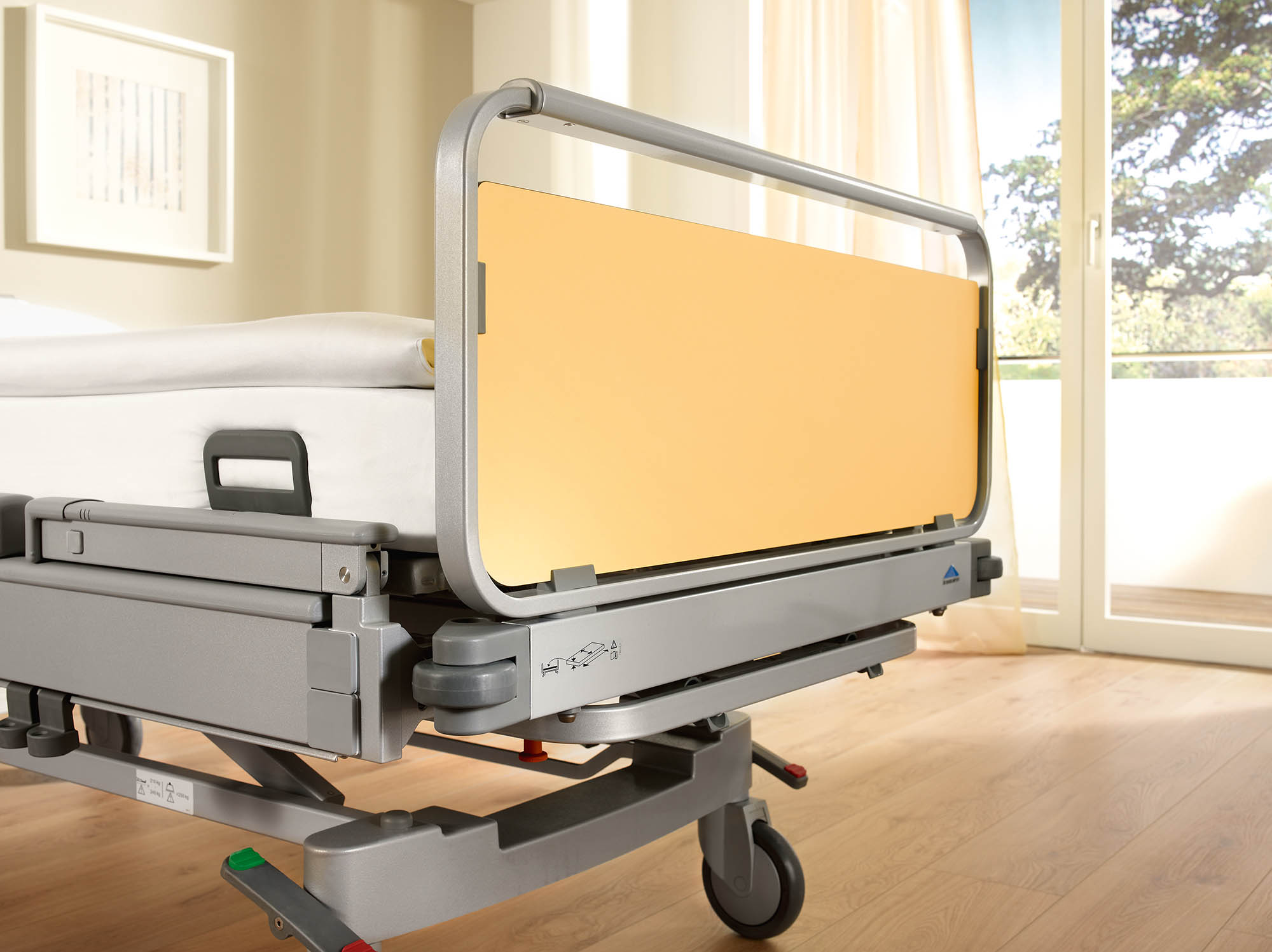 Classic head and footboard of the Vida hospital bed