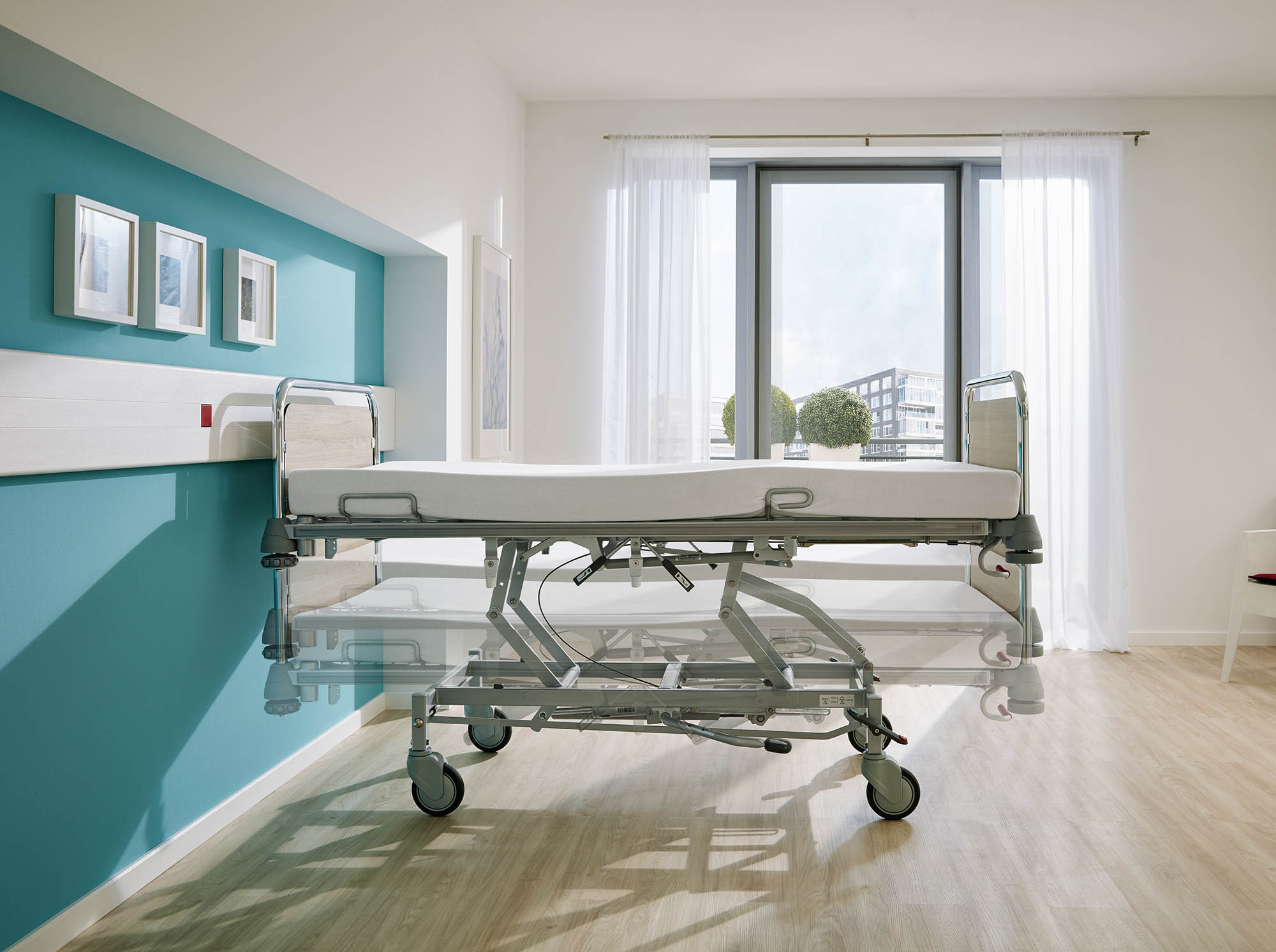 Hydraulic height adjustment of the Vivendo pro hospital bed