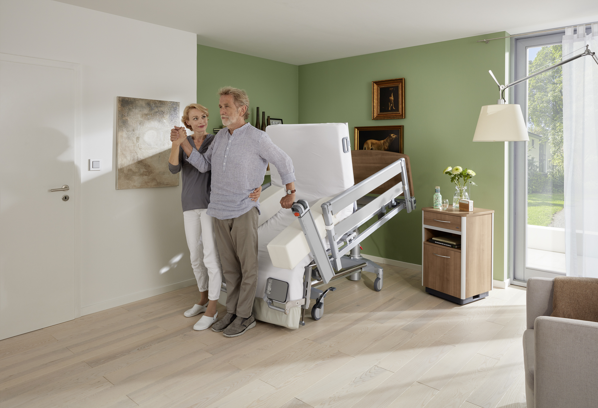 Stand-up position of the Vertica care mobilisation bed