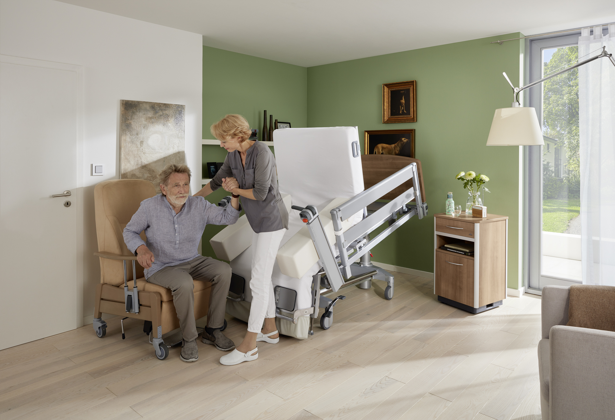 Easy transfer from the Vertica care mobilisation bed