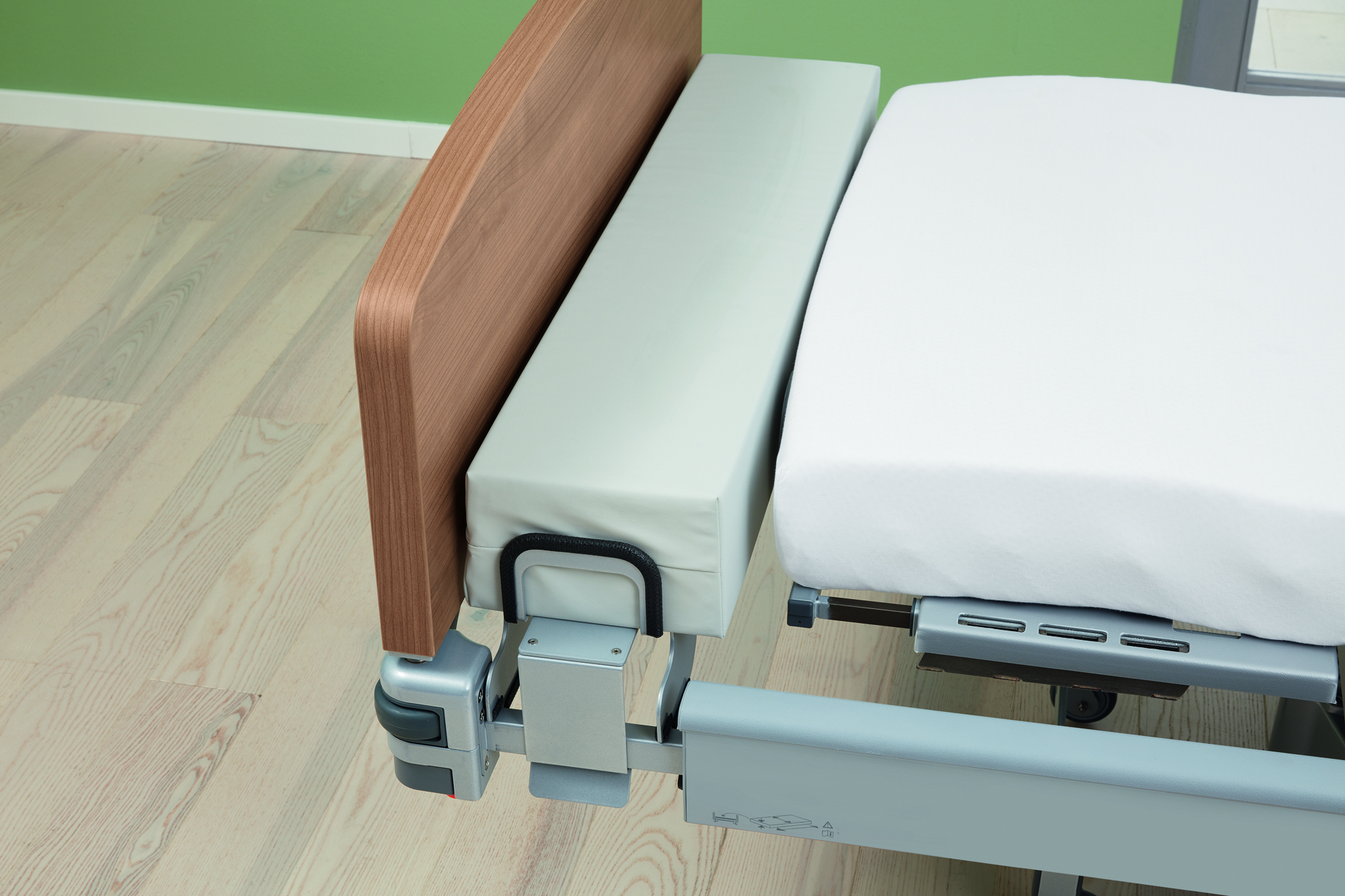 Bed extension for the Vertica care mobilisation bed